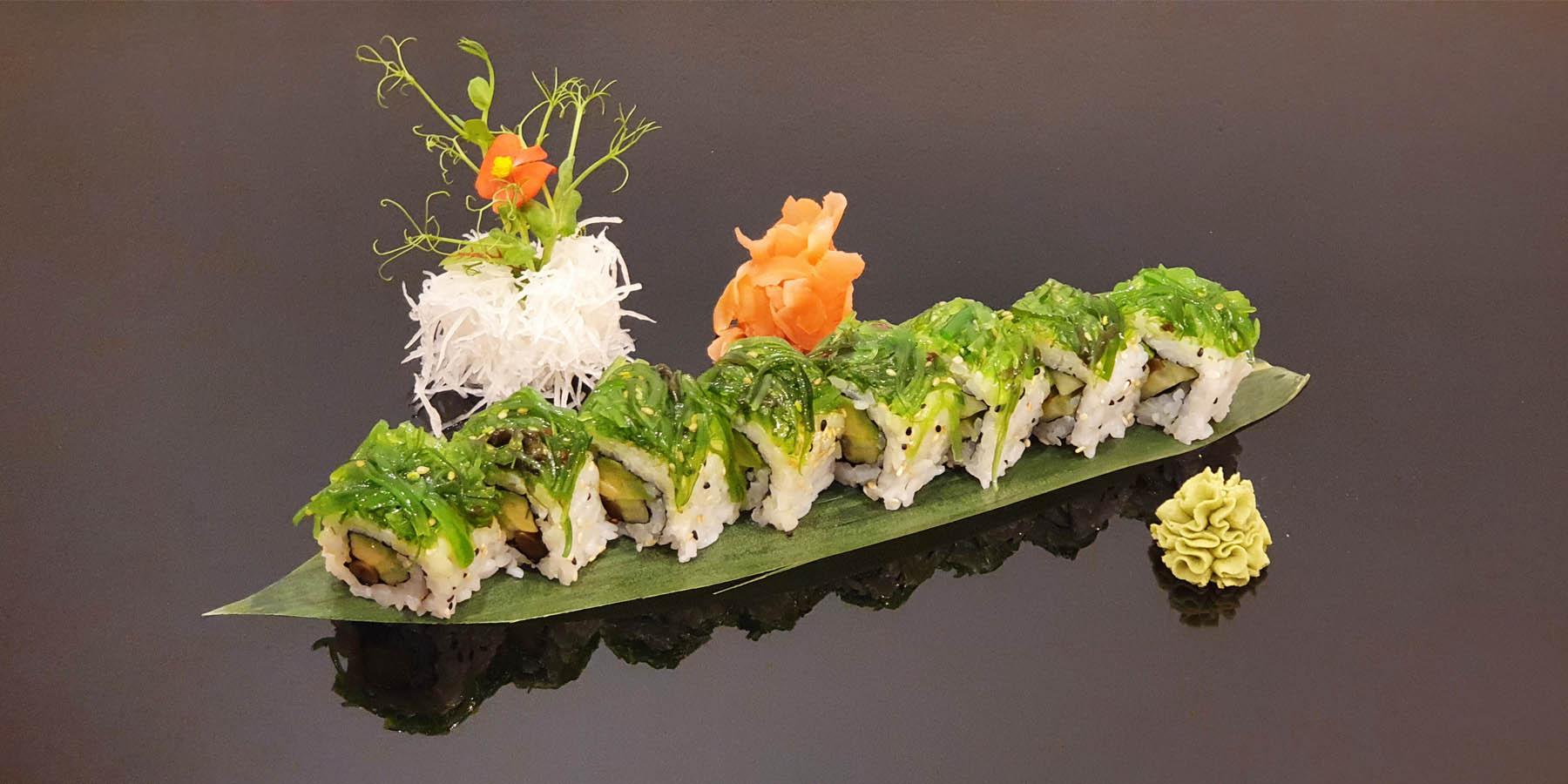 uramaki special wakame